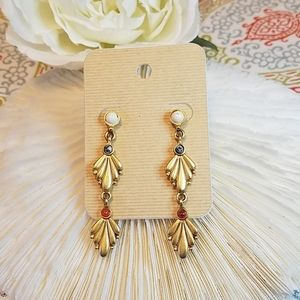 Beautiful gold tone earrings
